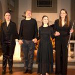 Gli artisti della serata. Da sinistra: Diana Colosi (arpa), Andrea Giuntini (lettura), Tiziana Giuliani (movimenti scenici e danza) e Federica Baronti (flauto) (foto: Domenico Alessi)